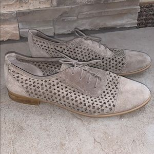 franco sarto taupe perforated lace up Oxford shoes